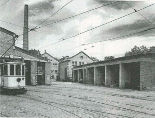 Ein umgebautes Straßenbahndepot dient als Räumlichkeiten für Veranstaltungen und das Museum.