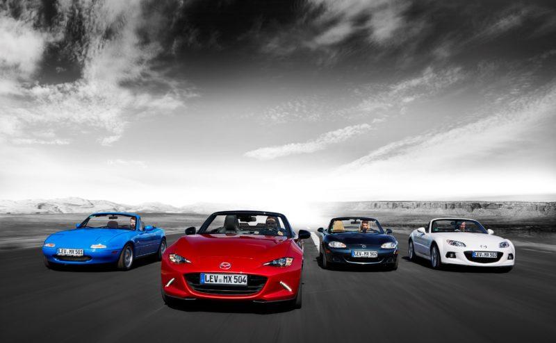 Vier Generationen Mazda MX-5. Auch ein MX-5 NA ist selbstverständlich im Museum zu bewundern.