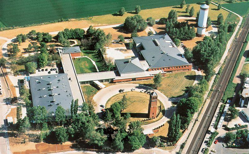 1990 eröffnet das R&D Centre in Oberursel nahe Frankfurt. Mazda setzt damit mehr auf den Europäischen Markt.