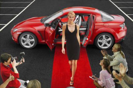 Der Mazda RX-8 ist ein weiterer Sportwagen mit Wankelmotor von Mazda.