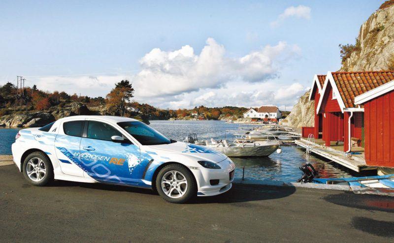 Der Mazda RX-8 Hydrogen fährt auf Wasserstoffbasis in Norwegen.
