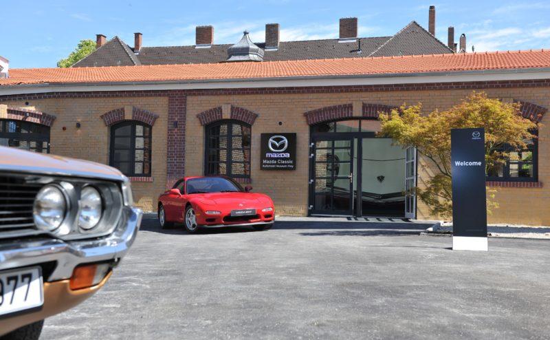 Parkmöglichkeiten direkt am Mazda Classic Museum für Events und Besucher